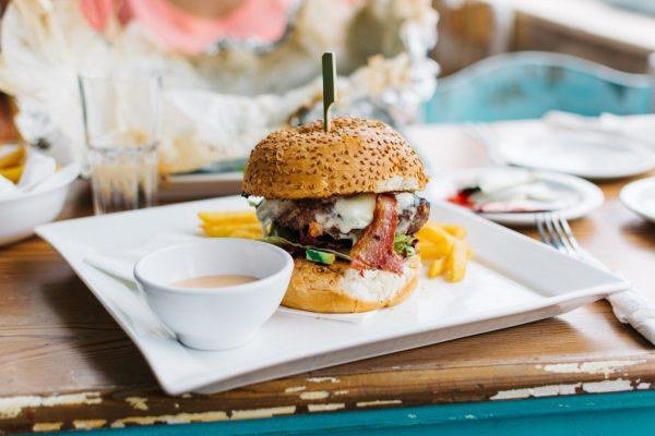 Con los dedos: de la hamburguesa a las tapas